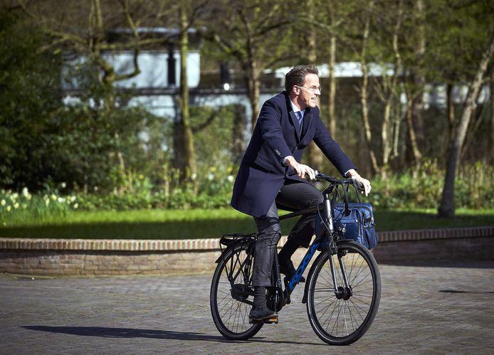 Rutte op weg naar het Catshuis voor een ontmoeting met de Zweedse minister-president. Archieffoto