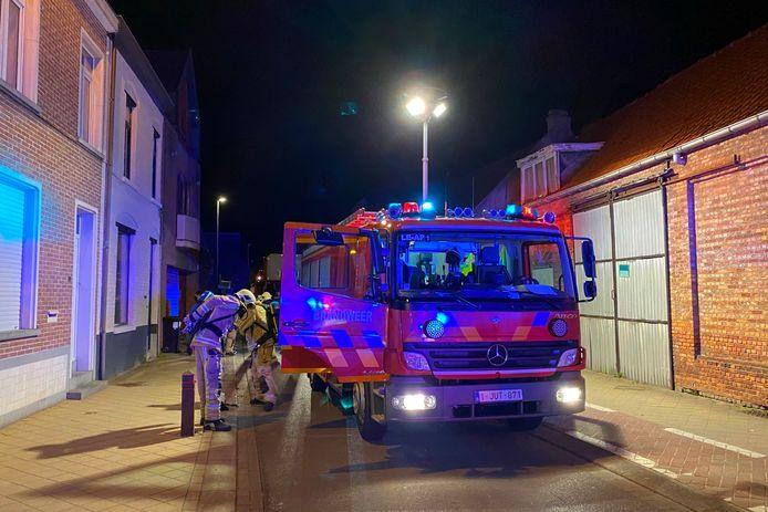 Door de tussenkomst van de brandweer was de Nieuwstraat in Lede even versperd.