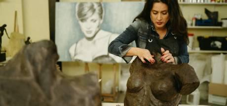 Veenendaalse Linette Dijk maakt monument in Den Haag voor omgekomen vluchtelingen: 'Ik ken de verhalen van dichtbij'