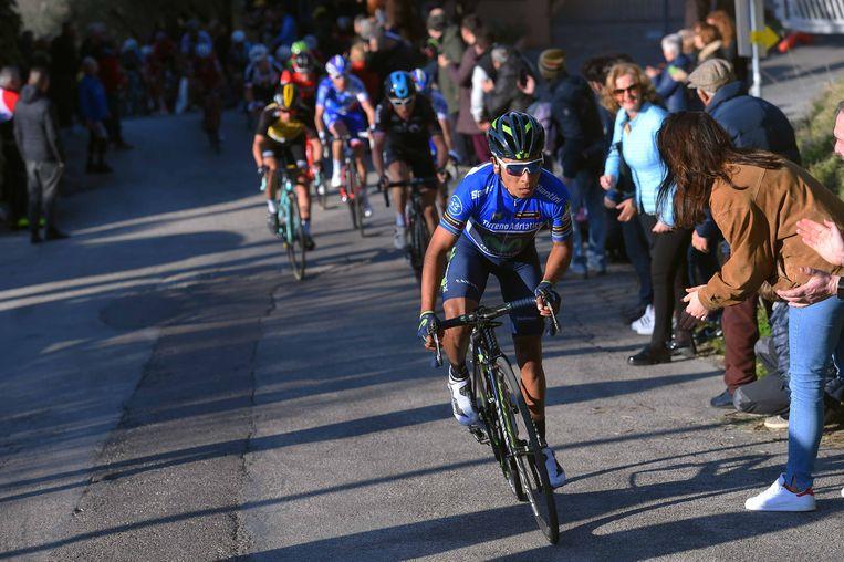 Nairo Quintana, de latere winnaar, in actie in de Tirreno-Adriatico, een wedstrijd die niet te zien was op de openbare omroep. Beeld TDW
