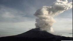 Vulkaan in Mexico ontwaakt met luide knal