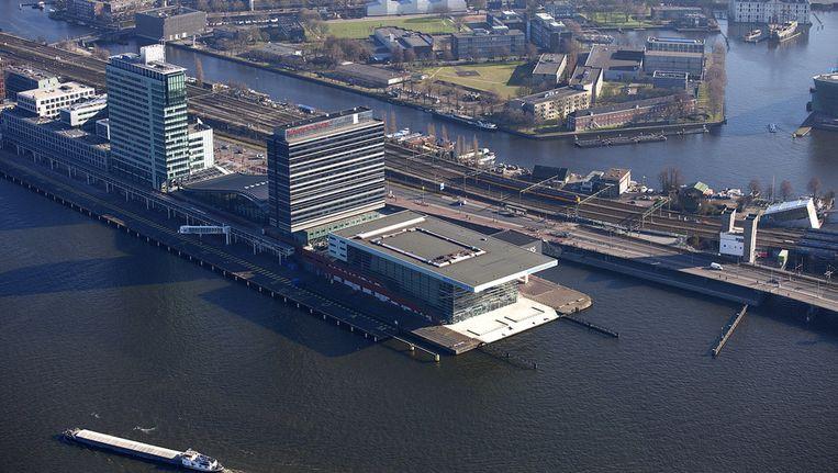Een luchtfoto van het Muziekgebouw aan 't IJ. Beeld anp