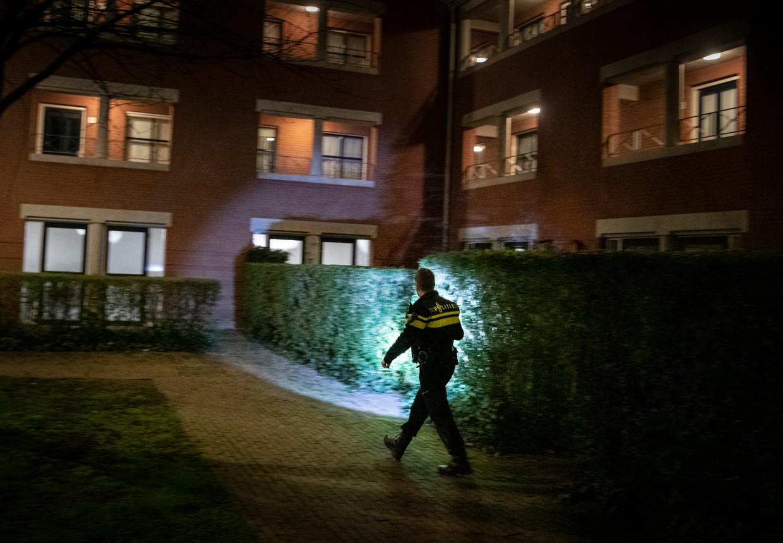Politieagent in Wageningen:  'We moeten normaal elke avond wel ergens een feestje beëindigen'.