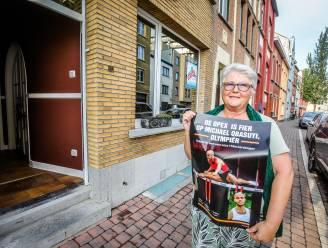 """Mama Caroline van Oostendse olympiër Michael Obasuyi hangt affiches in haar wijk om zoon te steunen: """"Ik wil dat meer mensen weten wat hij presteert"""""""
