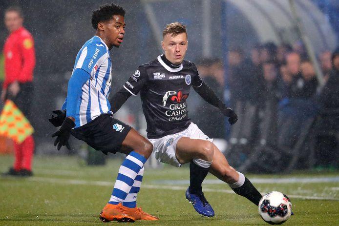 Collin Seedorf (l) in actie in zijn vorige periode bij FC Eindhoven.