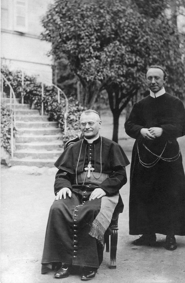 Van Rossum met zijn privésecretaris Joseph Drehmanns. Beeld