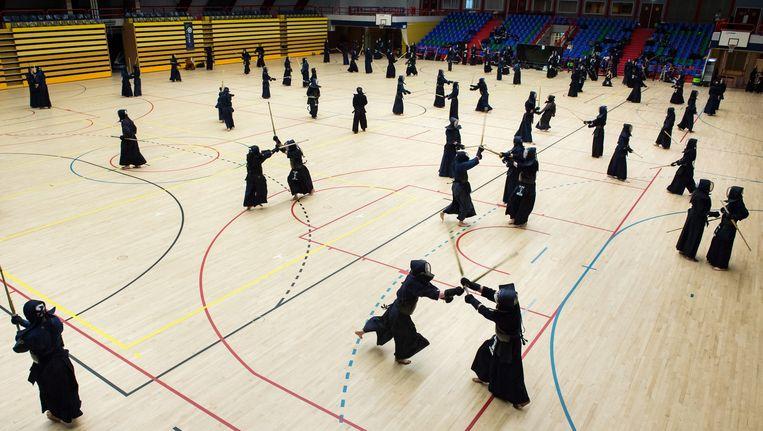 In de Sporthallen Zuid begon gisteren het tiende Kendo Summer Seminar. Beeld Mats van Soolingen