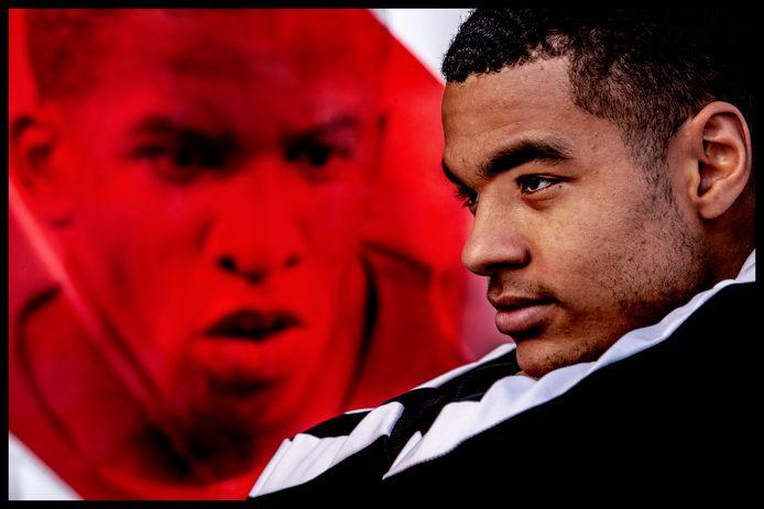 Portret van PSV-jongeling Cody Gakpo bij het portret van zijn voorbeeld Farfan Foto ; Pim Ras