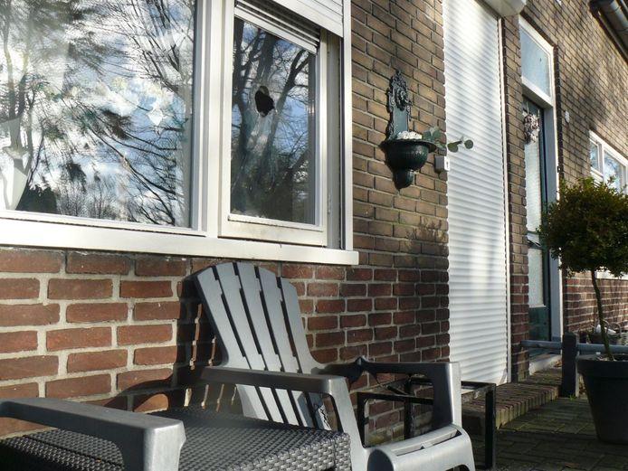 Poging tot brandstichting woning aan de Irisstraat in Almelo.