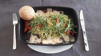 VAN ONDER DE KERKTOREN: 'Take Away maaltijden Mocca D'or doen ons dromen over een effectief restaurantbezoekje'