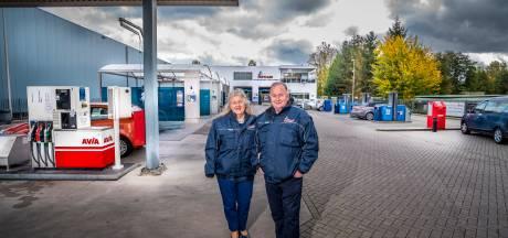 'Automan' Tonny en het mooiste meisje van de disco in Denekamp stoppen na 40 jaar met hun bedrijf in Enschede