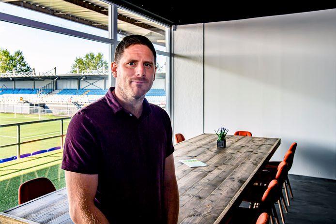 Pim Felius wil het Herstaco-stadion weer tot leven wekken.