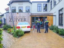 Auto rijdt tegen gevel Restaurant Zuiver in Leusden: 'Het is vooral heel sneu voor de bestuurder'