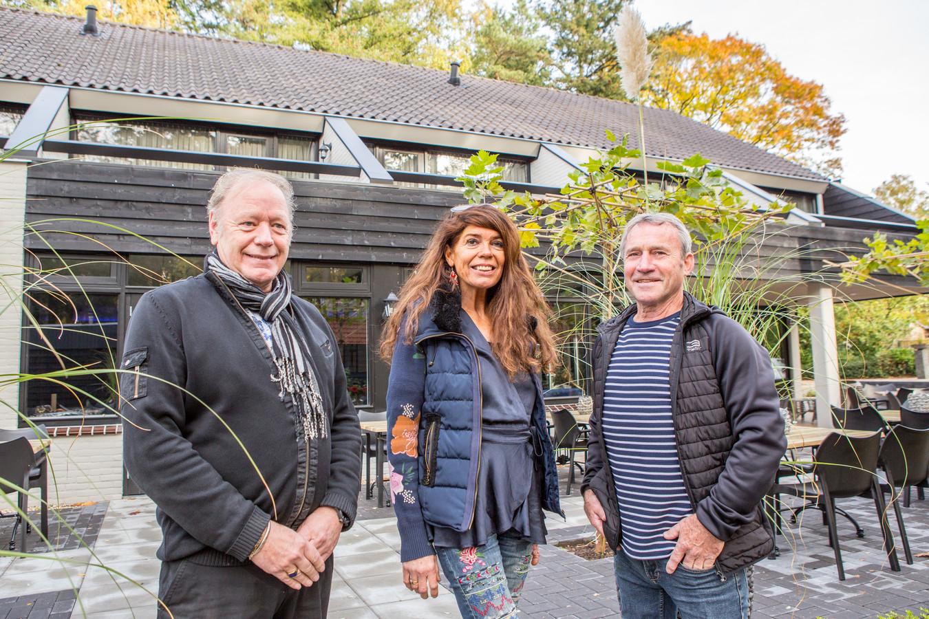 André Chaigneau, Mylène Harmsen en Geke van Dijk voor de vernieuwde brasserie.