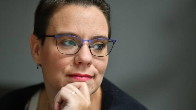 Michelle (32) uit Enschede wil wel tweede prik, maar krijgt die (nog) niet: 'Straks heb ik geen vrijheid'