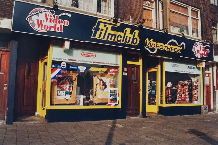 Video World in Rotterdam rond 1994-95. Beeld Coll. Hans Hoogbruin