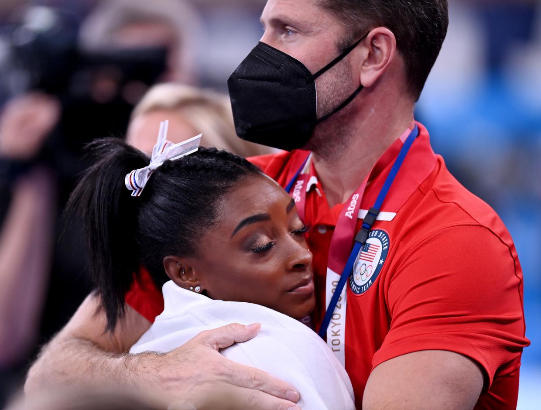 Simone Biles had het moeilijk met haar mislukte sprong. Beeld Reporters / DPA