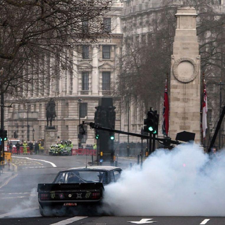 De gewraakte stunts van Top Gear bij het oorlogsmonument Cenotaaf in Whitehall in Londen. Beeld Top Gear