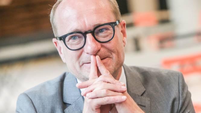 """Bijna 95% van de Vlaamse leerkrachten is volledig gevaccineerd, meer dan 77% van de middelbare scholieren kreeg één prik: """"We moeten verder versoepelen"""", vindt Weyts"""