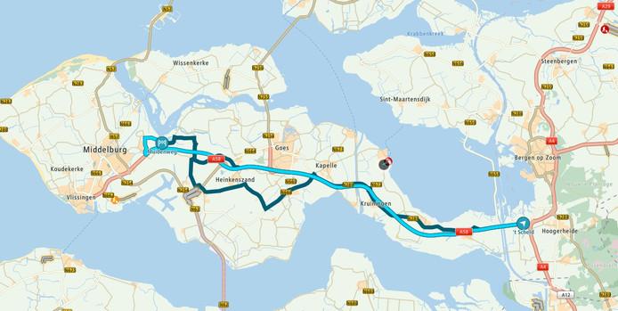 Veel mensen hebben nog een TomTom in de auto. De online kaart van de fabrikant van navigatieapparatuur adviseert de afslag Arnemuiden te nemen.