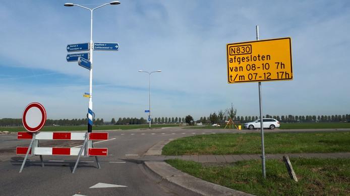 Het werk aan de rotonde in Herwijnen.