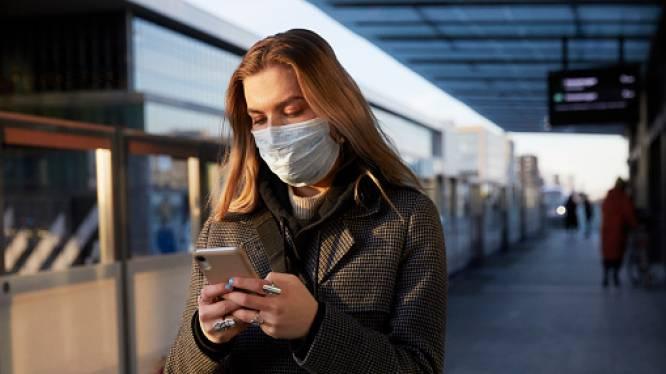 Google herinnert aan smartphone gekluisterde wandelaars erop vaker om zich heen te kijken