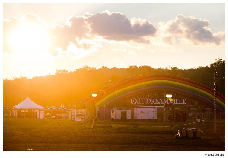 Camping DreamVille, hier die van TomorrowWorld, is een van de paradepaardjes van TML. Beeld Joost De Bock