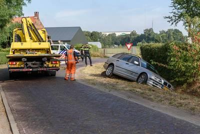 Automobiliste belandt in sloot in Zundert