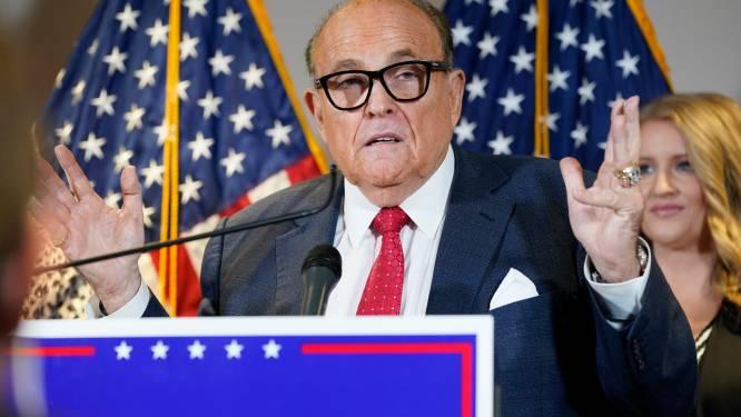 """Trumps advocaat geeft langs zijn neus weg toe dat fraudeclaims """"een beetje overdreven"""" zijn"""