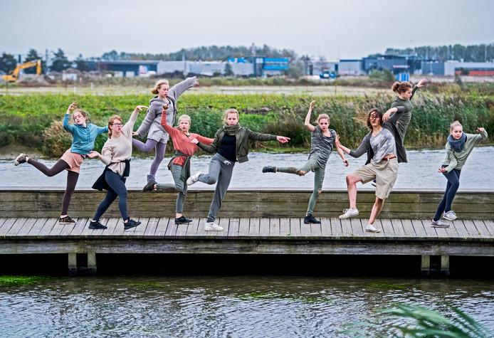 Jongeren lopen in Waddinxveen met hun ziel onder de arm. Femke Vleij (VVD) wil daar snel wat aan doen. Foto ter illustratie.