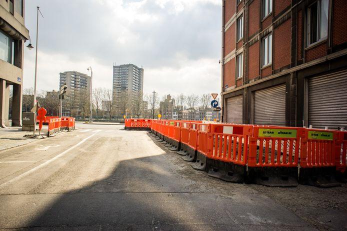 Le chantier du tram, à Liège, est à l'arrêt jusqu'au moins la fin du confinement.