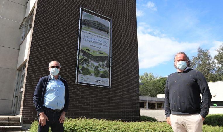 Patrick Huyghe en algemeen directeur Piet Vanwambeke bij Ter Caele, waar de plannen voor de nieuwbouw nu aan de gevel getoond worden.