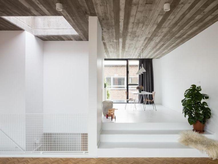 """""""Renovatie is een leuke en uitdagende puzzel die moet kloppen"""", vinden architecten Door en Marit van MADAM architectuur uit Brussel."""