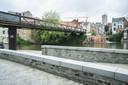 Moet dit al gebouwde deel van de brug verdwijnen?