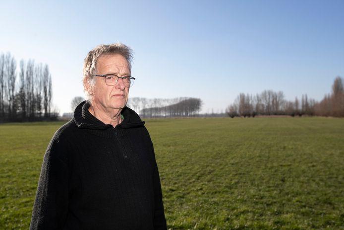 Geert Leerink in de groene omgeving van De Overmarsch, ten noorden van De Hoven.