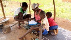Dag van het Gezin: Plan International herenigt honderden kinderen op de vlucht met hun ouders