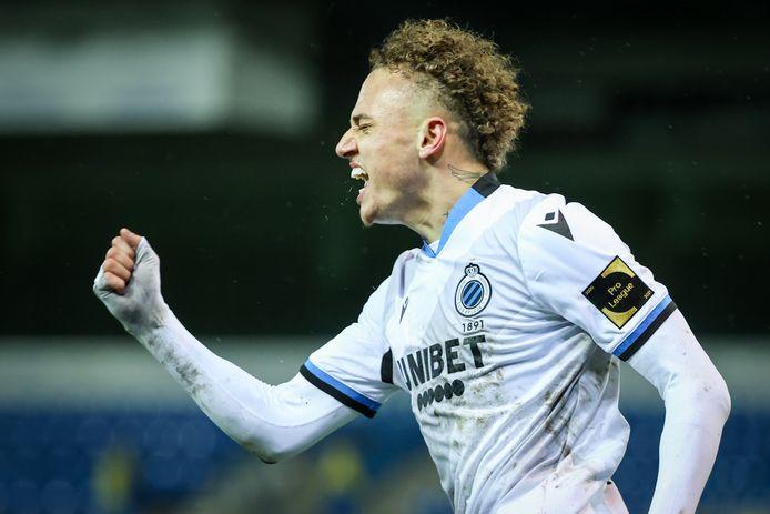 Lang viert z'n goal tegen Waasland-Beveren. De Nederlander van Club is een sensatie.