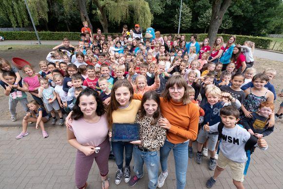 Speelplein Bornem neemt deel aan de wedstrijd van de Vlaamse dienst speelwerking en flyert voor stemmen
