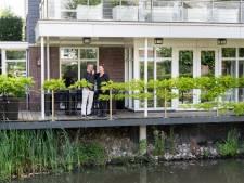 De villa van Rob en Ria is te koop, mét wijnklimaatkast: 'Daar passen tweehonderd flessen in!'
