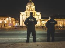 Gentse agent (39) die handboeien en kogelvrije vesten verkocht moet niet naar de gevangenis