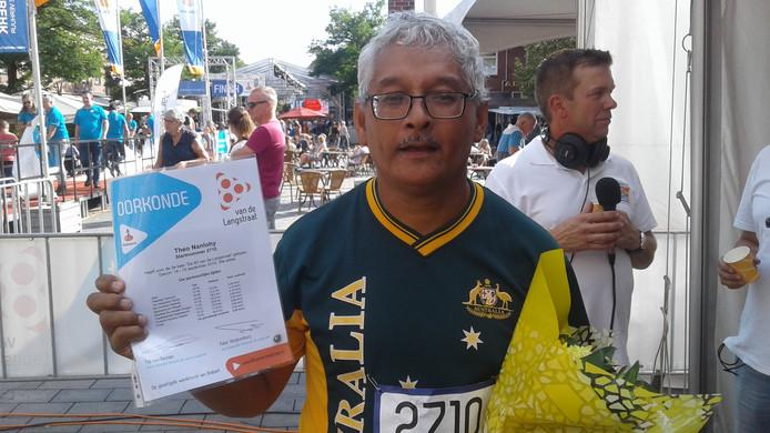 Theo Nanlohy na zijn finish bij de 80 van de Langstraat.
