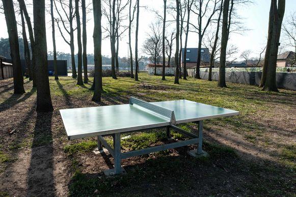 Zandhoven in lockdown vanwege de coronamaatregelen. Het buitensportpark aan sportcentrum Het Veld.