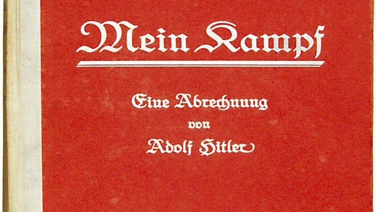 Deze eerste editie van Mein Kampf, gesigneerd door Hitler, bracht in 2005 iets meer dan 35.000 euro op. © epa Beeld