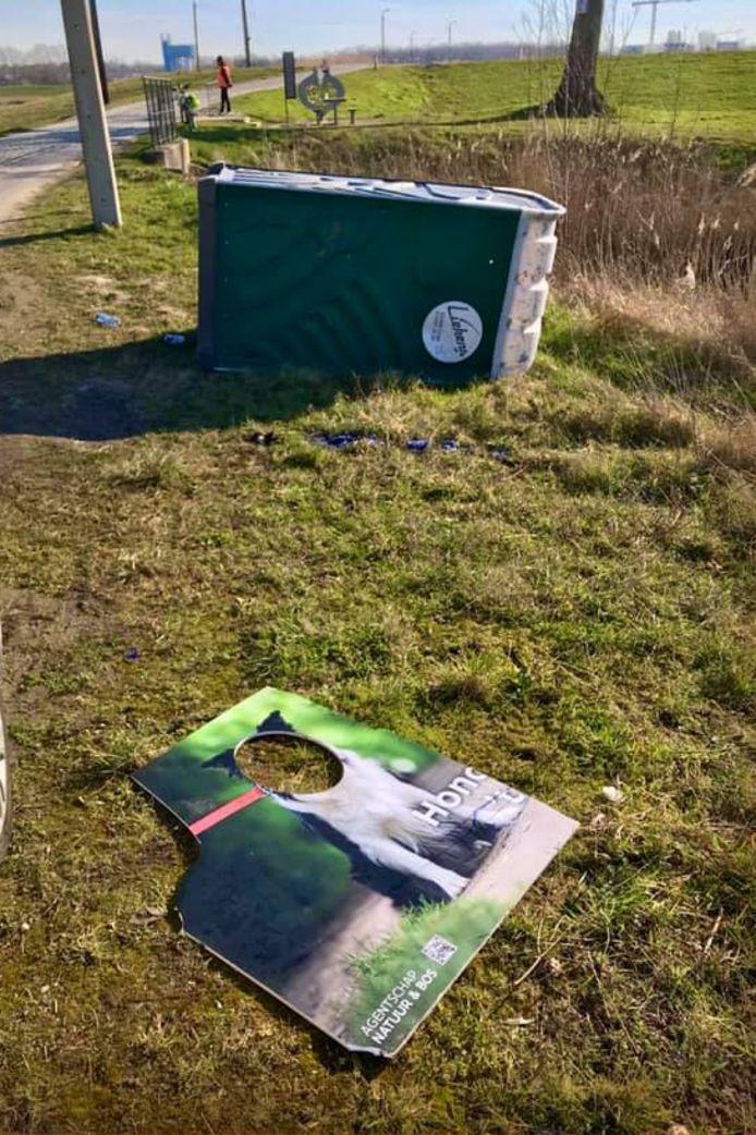 Jammer genoeg kreeg de organisatie af te rekenen met vandalisme en werd zelfs een mobiel toilet in brand gestoken.