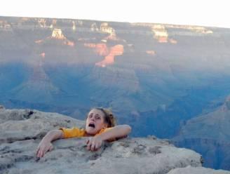 Dochter bezorgt moeder bijna hartaanval met deze foto aan klif Grand Canyon