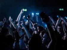 Openingsfeesten De Radstake en Lido afgeblazen; merendeel bezoekers heeft coronatestuitslag niet op tijd