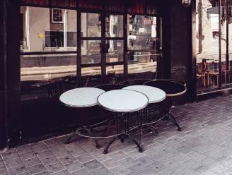 """De satirische Sara Leemans over nostalgie: """"Café De Statie is dé plek om na het werk snel 'enen' te pakken en de avond af te sluiten met 'ne voorleste'"""""""