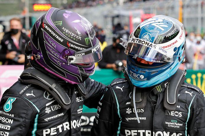Hamilton félicite Bottas après sa pole position lors des qualifications du GP de Turquie.