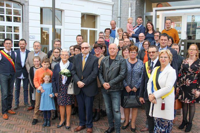Samen met de familie is het diamanten paar ontvangen in het gemeentehuis van Brakel