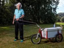 Pelgrim Joop van der Pas is 85 en rent zo rap mogelijk door Frankrijk: 'Ik ben hartstikke gek'